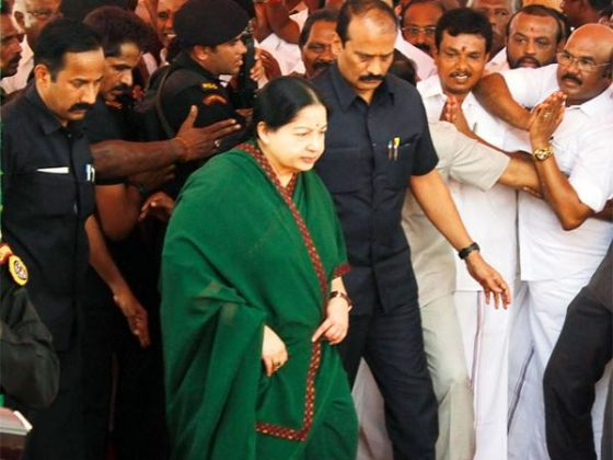 TN CM announces solatium to kin of victims in robbery attempt
