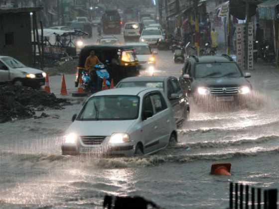 Rains throw traffic out of gear in city