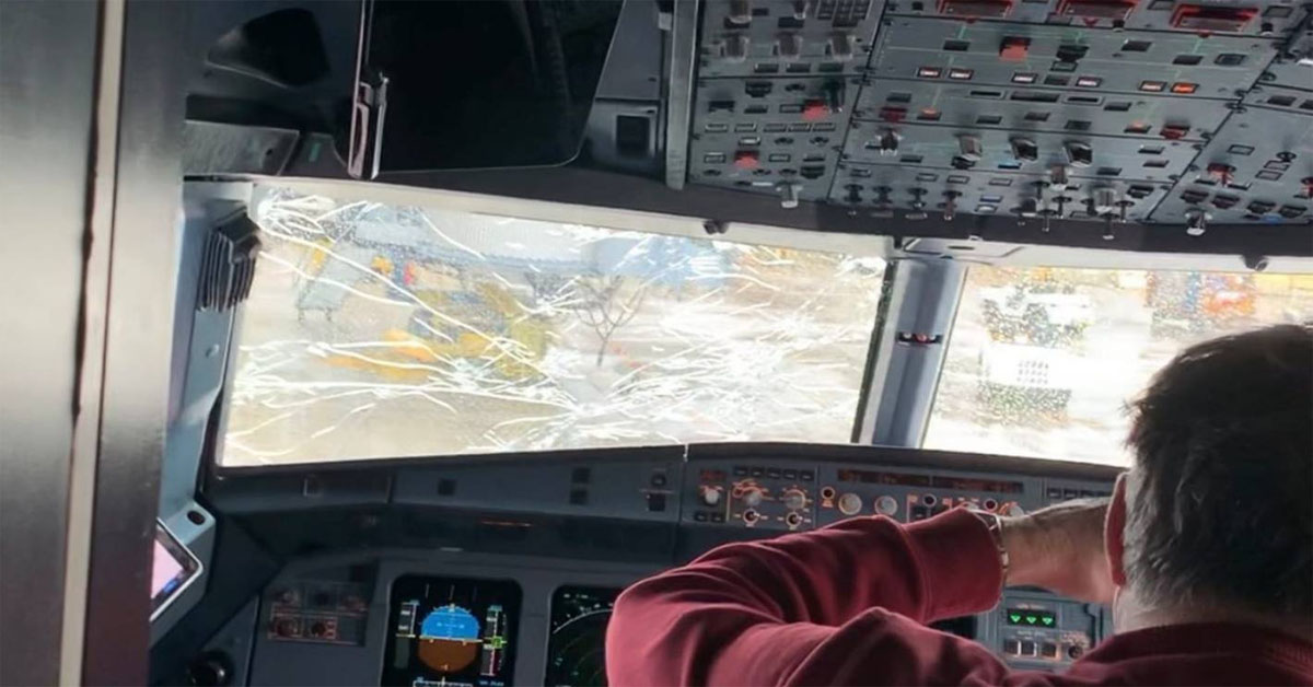 Plane Forced To Turn Around After Hail Cracks Windshield