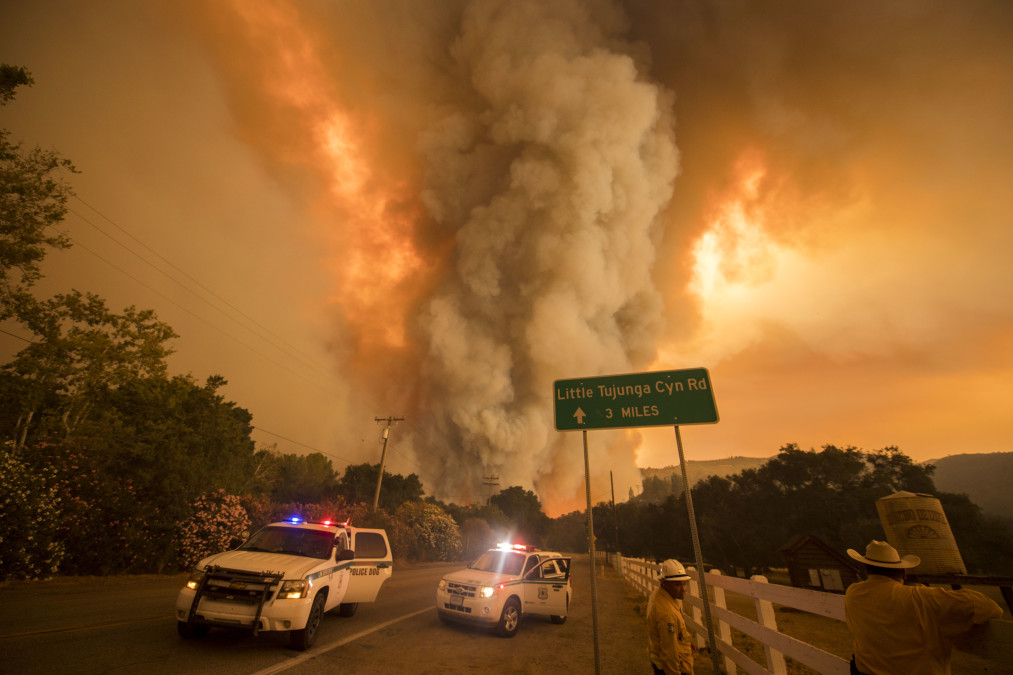 When spark meets sprawl: Building in wildlands increases fire risk
