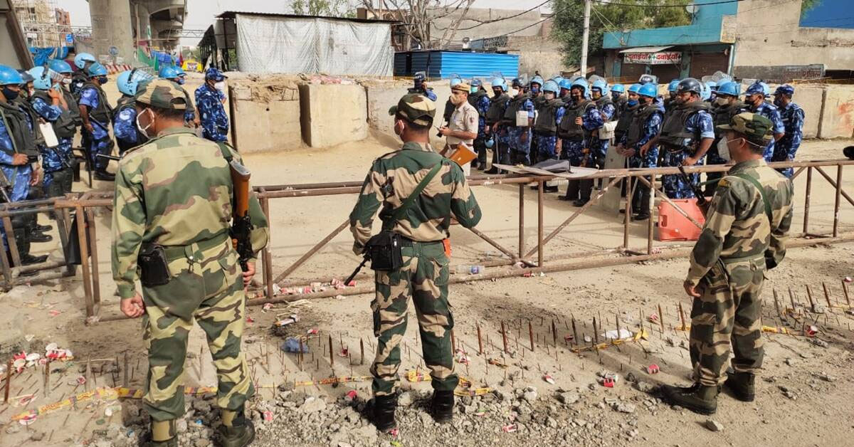 Delhi Police increase deployment at borders after inputs that 50,000 farmers plan to enter capital
