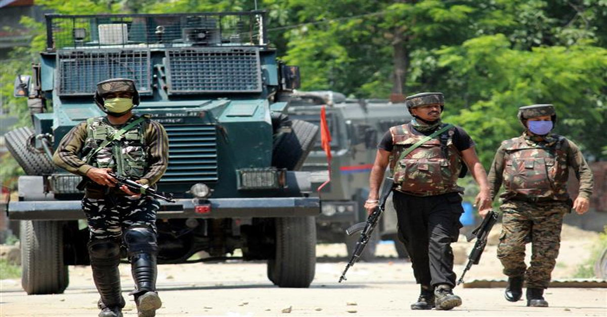 Militants open fire on security forces in Shopian