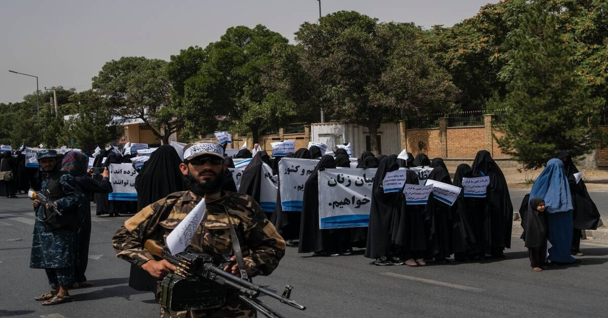 At Pro-Taliban protest, a symbol of America's lost influence: Faces obscured by veils