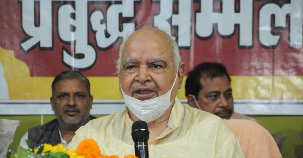 In viral video, UP Speaker talks about Bapu, clothes & also Rakhi Sawant