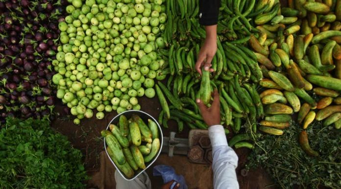 Maharashtra ends APMC monopoly, farmers to earn more than double