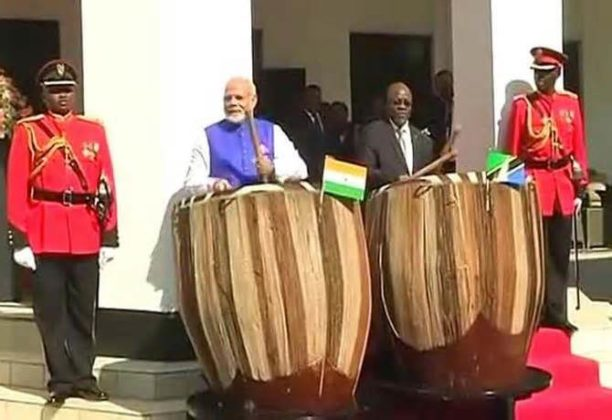 Indian Prime Minister Modi plays drums in Tanzania