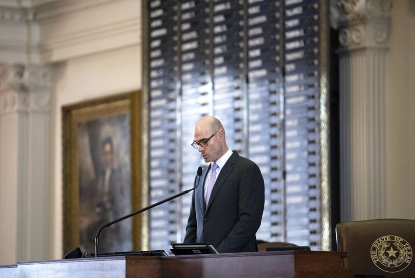 With a lame-duck speaker, Texas House confronts the work of the interim